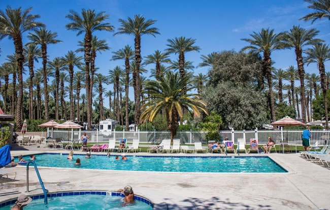 Image of pool at the Thousand Trails Palm Springs RV Resort.